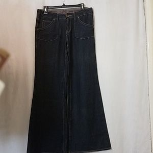👖Size 9 One Community Jeans👕